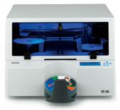 Das Primera Disc Publisher XRn CD + DVD Kopiersystem mit integriertem PC brennt und druckt auch direkt über ein Windows Netzwerk und eignet sich z.B. auch für Anwendungen in der Medizintechnik zusammen mit PACSSystemen