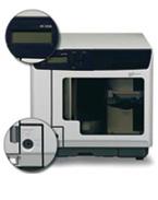 Der Epson PP-100N Netzwerkfähiges Produktionssystem für automatisches Brennen und Bedrucken, bedruckt und kopiert vollautomatisch bis 100 CD oder DVD in einem Arbeitsgang und das besonders sparsam, da er über sechs separate Tintentanks mit hoher Kapazität verfügt