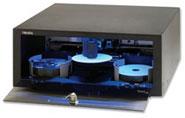 Der Primera Disc Publisher XR brennt und druckt in einem Arbeitsgang bis zu 50 CD oder DVD am PC, MAC oder im Netzwerk. NEU: Jetzt auch mit BluRay Brenner erhältlich